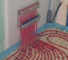 Nourrice chauffage au sol dans le cellier