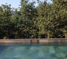 Super content du rendu de la piscine avec ce carrelage, en plus elle chauffe vite !
