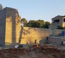 2eme jour d élévation des murs