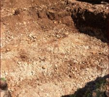 Terrassement: un peu de roche cote est