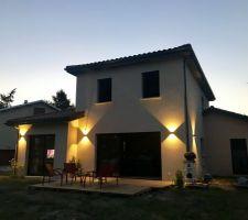 Terrasse provisoire et luminaires définitifs