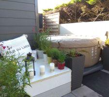 Installation d'un Spa gonflable (Intex PureSPA 4 pers.) sur la terrasse Nord de la maison