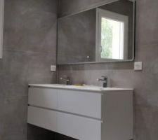 Meuble double vasque de 140x48x55cm avec miroir tactile de 140x70cm