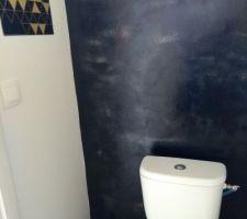 Début de la déco des toilettes / thème noir et cuivre style baroque bling bling