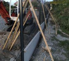 Pose de la clôture rigide