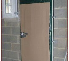 Porte d'entrée en métal, isolante, serrure 5 points