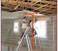 Pose des plaques Placoplatre du plafond