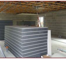 Panneaux isolants qui seront posés après le plafond