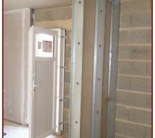 La cloison de séparation (Garage/Maison)sera plus épaisse 160mm de panneaux isolants entre les 2 plaques de Placoplatre