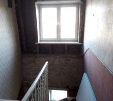 Le dernier mur à démolir du deuxième étage