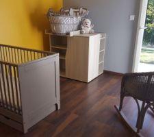 Meubles de la chambre de bébé, tous d'occasion :)