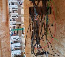 Câblage électrique en cours