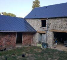 Remplacement de la charpente et de la toiture.