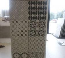 Carrelage mural toilettes (bâti WC suspendu + crédence lave-mains)