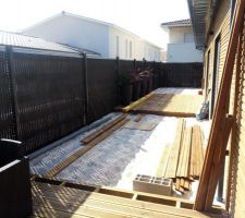 Les 2 terrasses, derrière la maison
