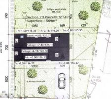 Voici l?implantation de la maison sur notre terrain. On devait suivre l?alignement des maisons voisines. On a donc décidé de la placer sur une extrémité afin d?optimiser l?exploitation de notre terrain.
