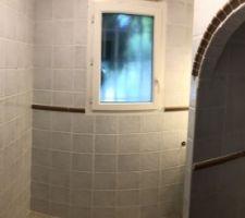 Bon et bien voilà la future ex salle de douche