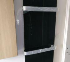 Sèche serviettes en verre noir