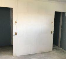 Mur séparation dressing/chambre