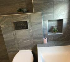 Salle De bain terminée réalisée par Passion Carrelage idf