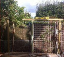 Abri bois : mise en place des poteaux