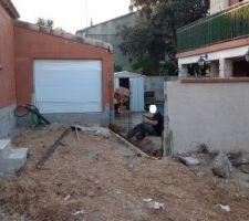 Mur de clôture avec le voisin en cours ...