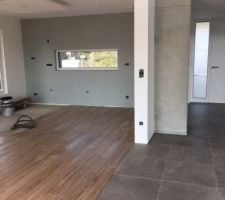Transition carrelage espace séjour-cuisine /salon