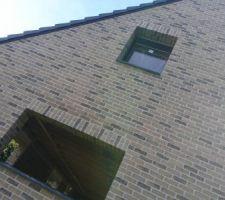 Les 3 fenêtres de l'étage sont posées