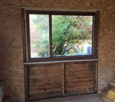 Préparation des cadres de fenêtre, agrandissement pour accueillir la porte fenêtre