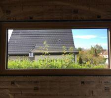 Fenêtre fixe panoramique du salon