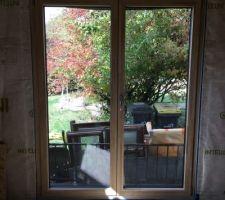 Porte-fenêtre du salon
