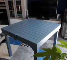 Ma nouvelle table de jardin ;-)))