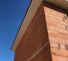 Débords de toits de 50 cm imposés par PAC