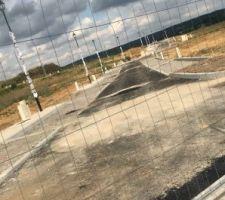 Photo de mon chantier à Chamigny. Les routes sont à peine construites. Le permis va être accordé