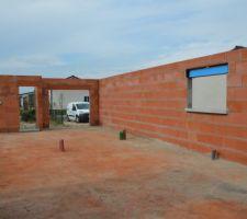 Fenêtre cuisine, porte garage et porte d'entrée