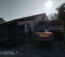 Nos démolisseurs au travail sous un beau soleil d'automne