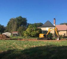 Une photo des débuts du terrassement implantation