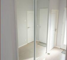 Enfin une armoire dans notre entrée ! :)