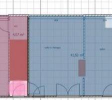 Deux niveaux de plafond, rose plus bas que bleu