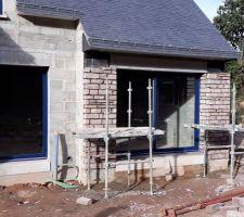 Façade pierre salon