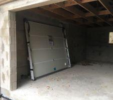 Porte de garage prête à être posée