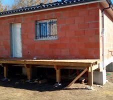 Terrasse en cours et grilles changées