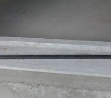 Une cale en bois d'environ 15 mm d'épaisseur.