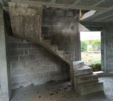Escalier  béton terminé
