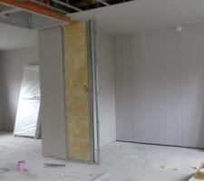 La première chambre à gauche est faite.