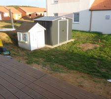 Terrasse terminée et abri de jardin installé