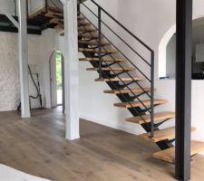 Mon futur escalier en métal et chêne massif huilé :) j'adore :) fait par hagane (http://www.hagane.fr/)