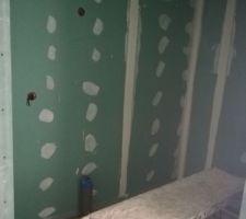 Joint plaquo chambre erreur canalisation salle d'eau