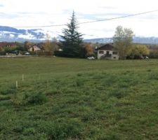 RDV d'implantation avec MO pour visualiser la maison au sol sur le terrain vue est