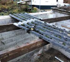 Dépose de la toiture du garage à démolir